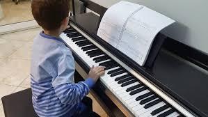 کودکانی که پیانو مینوازند باهوشتر هستند